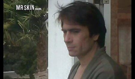 Pria dengan budak melayu lucah rambut keriting yang berpuas hati orang pilihan untuk seks.