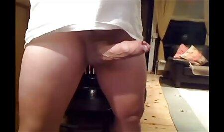 Liar-rambut merah menunjukkan video lucah budak kecik seseorang di pantat