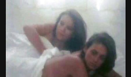 Dia bekerja di lubang analnya video seks melayu bawah umur