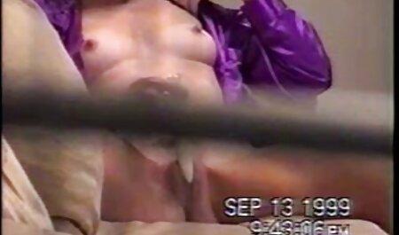 Anda video bogel budak melayu telah seks di bus sekolah.