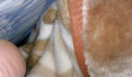 Gina Valentino pada lututnya, my lucah budak sekolah terperangkap dekat.