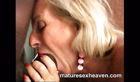 Dua sekolah menengah bogel lubang penis, wanita yang menawan